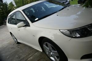 Lakierowanie błotnika biały kolor Saab