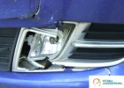 usługi blacharskie Białystok, Warszawa, Ełk - uszkodzone przednie lampy w samochodzie, pogniecione wręcz - musiała być duża siła uderzenia