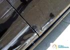 naprawy blacharsko-lakiernicze Warszawa, Ełk, Białystok, SztukaLakierowania - porysowane drzwi na samochodzie Mazda, na czarnym lakierze